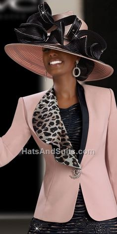 If you're looking for Donna Vinci Hats, this is the place to be! Donna Vinci Couture Hats will make you experience great and one of a kind in Church! Church Suits And Hats, Church Attire, Church Hats, Church Outfits, Church Clothes, Chapeaux Pour Kentucky Derby, Kentucky Derby Hats, Look Blazer, Church Fashion