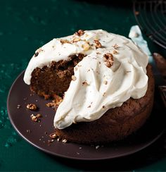 Carrot cake with cream cheese-and-lemon icing