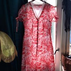Chez Perrine (@chez_perrine) • Photos et vidéos Instagram Short Sleeve Dresses, Dresses With Sleeves, Blouse, Interior, Photos, How To Wear, Instagram, Tops, Women