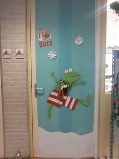 Onze klasdeur.  Thema:kikker en het nieuwjaar en kikker in de kou.