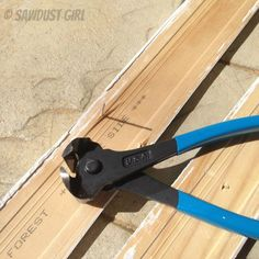 Sawdust Girl Tip: nail pulling pliers Diy Cleaning Products, Cleaning Hacks, Craftsman Window Trim, Sawdust Girl, Window Casing, Built In Bookcase, Wood Trim, Diy Home Improvement, Home Repair