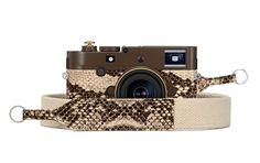 lenny kravitz's second collaboration with leica is a vegan snakeskin camera for nomads designboom Leica M, Leica Camera, Vegan Leather, Brown Leather, Art Lens, Must Have Gadgets, Lenny Kravitz, Grand Designs, Interior Design Companies