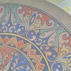 Detalhes #ceramics #ceramic #ceramica #cerâmica #art #artist #arte #artista #decoration #decoracao #decoração #pintura #pinturaamao #handmade #lilianacastilho