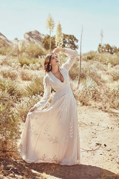 Belize Dress Oyster in Bride How To Dress For A Wedding, Luxury Wedding Dress, Classic Wedding Dress, Boho Wedding Dress, Boho Gown, Garden Wedding Dresses, Western Wedding Dresses, Princess Wedding Dresses, Earthy Wedding Dresses