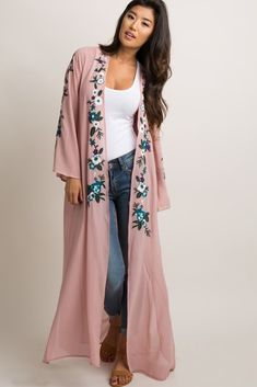 A solid chiffon long kimono. Embroidered accent on open front and long sleeves. This style was created to be worn before, during, and after pregnancy. Abaya Fashion, Kimono Fashion, Indian Fashion, Boho Fashion, Fashion Dresses, Womens Fashion, Fashion Trends, Abaya Mode, Mode Hijab