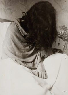 "Frida Kahlo with hair down~Photograph by Nickolas Muray (from the book ""Frida Kahlo. Her photos."")"