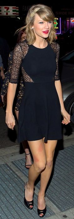4/13/14 Taylor arriving at the Saturday Night Live after party in NYC
