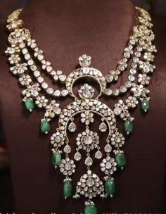 Emerald Necklace, Emerald Jewelry, Gold Jewelry, Jewellery, Diamond Design, Simple Jewelry, Diamond Are A Girls Best Friend, Wedding Jewelry, Fashion Jewelry