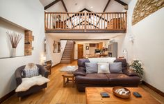 Fordscroft Cottages - luxury barn conversions and cottage Somerset. Located within 260 acres near Crewkerne two luxury barn conversions and stunning cottage