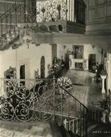 ... Harold Lloyd!, Interior shot