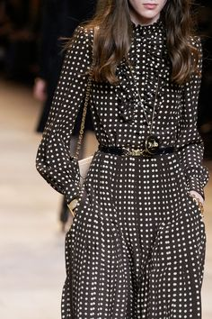 Celine Fall 2020 Ready-to-Wear Fashion Show - Vogue Casual Fashion Trends, Indian Fashion Trends, Spring Fashion Trends, Summer Fashion Trends, Autumn Fashion, Fashion 2020, Look Fashion, Fashion Show, Hipster Fashion Summer