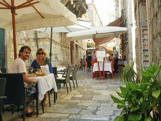 Restaurantinhos fofos pelas ruelas da Old Town...