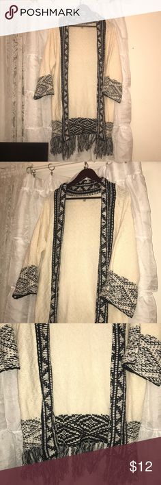 Charolette Russe tribal sweater Worn two times Charlotte Russe Sweaters Cardigans