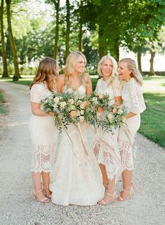 Cream bridesmaids ideas for a wedding in France, by NKT Events Striped Bridesmaid Dresses, Winter Bridesmaids, Champagne Bridesmaid Dresses, Mismatched Bridesmaid Dresses, White Wedding Dresses, Cream Bridesmaids, Valentino, Burgundy Wedding, Wedding Portraits