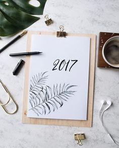 Gut geplant in 2017! Toller Wandkalender zum ausdrucken. Gratis Download auf www.thatslifeberlin.com #freebie Journal Layout, Book Journal, Diy Calender, Diy Agenda, Gratis Download, Diy And Crafts, Paper Crafts, Nature Sketch, Craft Materials