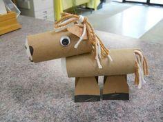 Caballito de rollo de papel