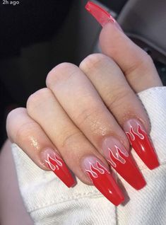 Nail art Christmas - the festive spirit on the nails. Over 70 creative ideas and tutorials - My Nails Bright Summer Acrylic Nails, Red Acrylic Nails, Aycrlic Nails, Swag Nails, Coffin Nails, Flame Nail Art, Acrylic Nail Designs Coffin, Red Ombre Nails, Long Red Nails