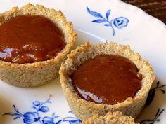 Frolitas individuales (rinde 8 mini-frolitas o una tarta pequeña de 14 – 16 cm) Para la masa: - 50 grs de coco rallado - Dos cucharadas de azúcar integral mascabo (o miel, o stevia) - Una cucharada...