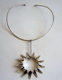 Necklace | Tone Vigeland. Sterling silver. ca. 1960s, Norway.
