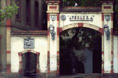 Fábrica antigua de Zaragoza, fundición Averly. La Nena Pitita
