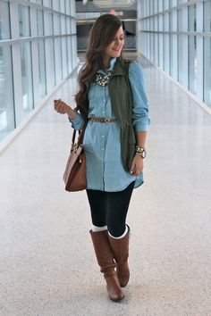 Casual Layers: Chambray, Army Green Vest & Leopard Only if I could pull this off Winter Leggings, Black Leggings, Chambray Dress, Jeans Dress, Denim Outfit, Dress Boots, Outfits Otoño, Casual Outfits, Fall Winter Outfits