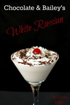 How To Make a Bailey's Chocolate White Russian - The Kitchen Magpie