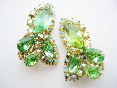 Hey, I found this really awesome Etsy listing at https://www.etsy.com/listing/180343464/weiss-green-rhinestone-clip-earrings