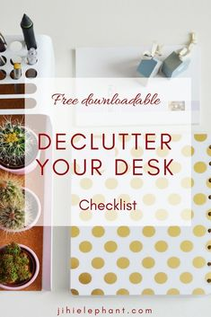 6 ways to declutter your desk space Your desk is where you get everything done; however, it feels like it is constantly covered in clutter! Fix your problems with this Decluttering your Desk checklist! Home Office Organization, Organizing Your Home, Organization Hacks, Organizing Tips, Office Decor, Organizing Paperwork, Office Ideas, Messy Desk, Pencil Organizer