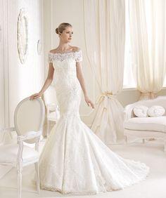 Croiul de sirenă impecabil e completat de un material de mare finețe, cu dantelă guipure. O rochie de mireasă splendidă! http://www.cristalmariage.ro/colectia-2014/la-sposa/colectia/idalina