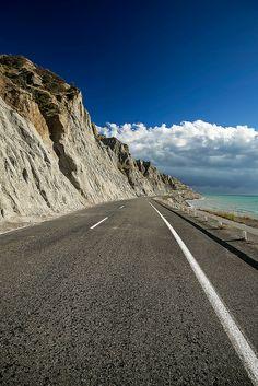 Nisa + Ulli Maier   Costal road along Cape Palliser, New Zealand.