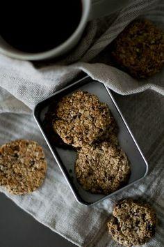 Paciocchi di Francy: Cookies ai fiocchi di avena, cioccolato e nocciole... Oatmeal Diet, Biscotti, Banana Bread, Cookies, Desserts, Recipes, Crack Crackers, Tailgate Desserts, Deserts