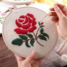 Red Rose Hand Embroidery DIY Kit Printed Pattern Linen Hoop Art Home Wall Decor - Embroidery Kit - Diy Embroidery Kit, Hand Embroidery Videos, Embroidery Flowers Pattern, Simple Embroidery, Embroidery For Beginners, Hand Embroidery Patterns, Ribbon Embroidery, Machine Embroidery, Embroidery Stitches