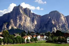 The Dolomites with International Mountain Guides
