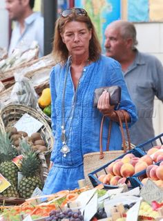 Caroline doing some shopping in Italy