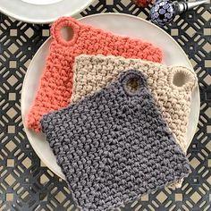 Different Crochet Stitches, Crochet Stitches Patterns, Crochet Designs, Crochet Kitchen, Crochet Home, Crochet Gifts, Crochet Hot Pads, Linen Stitch, Crochet Potholders