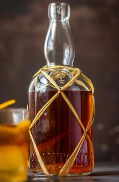 Spiced Rum is the perfect drink to make for the holidays! This Homemade Rum Recipe is so easy to make and it will blow you a way with its flavor. Homemade Wine Recipes, Homemade Alcohol, Homemade Liquor, Homemade Spices, Rum Punch Recipes, Rum Recipes, Alcohol Drink Recipes, Best Spiced Rum, How To Make Rum