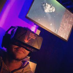 An awesome Virtual Reality pic! Heute geht's im #FritzBlackroom ins Weltall auf ein Hochhaus auf eine Märchenwiese! #VirtualReality macht's möglich. Was ein #Trip! #VR #immersive #technology #360 #tempelhoferfeld #berlin #oculusrift #oculusvr #RadioFritzen by radiofritz check us out: http://bit.ly/1KyLetq