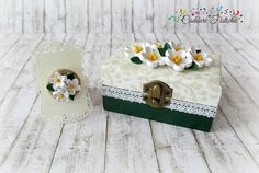 Quilling Paper Handmade Jasmine Wedding by CadouriFistichii Wedding Jewellery Boxes, Jewelry Box, Hand Shapes, Quilling, Jasmine, Decoupage, Great Gifts, Decorative Boxes, Delicate