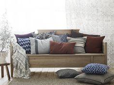 Tältä näyttävät kevään trendikkäimmät tekstiilit Decor, Pillows, Bed, Home, Throw Pillows, Sala