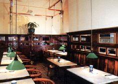 L'Ogenblik dans la Galerie Saint Hubert à Bruxelles  Histoire du Restaurant de l'Ogenblik F ondée en 1969 par Georges Neefs (Ex-patron des Brasseries Georges) et 5 autres amis, le restaurant a été repris en 1973 par Geoffroy Greindl qui fêtera bientôt ses 40 ans de gérance.