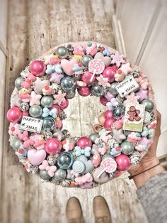 Christmas Advent Wreath, Xmas Wreaths, Pink Christmas, Winter Christmas, Handmade Christmas, Christmas Crafts, Xmas Decorations, Diy And Crafts, Ideas