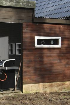 Talon kunnostus – ennen ja jälkeen – Design Wash River House, Flat Screen, Exterior, Patio Ideas, House Ideas, Image, Design, Blood Plasma, Flatscreen