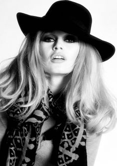 Brigitte Bardot Wearing Black Hat, Retro Fashion Art Framed Art Print by vintagecafe - Vector Black - MEDIUM Brigitte Bardot, Bridget Bardot, Bridgette Bardot Style, Classic Hollywood, Old Hollywood, Hollywood Fashion, Hollywood Actresses, Robe Baby Doll, Fashion Art
