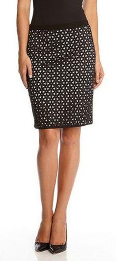 Love this pencil skirt from Karen Kane. Via @espejismos. #pencilskirts #skirts
