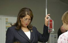 Scary Gloria Akalitus (Anna Deavere Smith) in Nurse Jacky! Oh, she's so much fun to watch. Nurse Jackie, Anna Deavere Smith, About Time Movie, Party Guests, Tv Series, It Cast, Take That, Celebrities, People