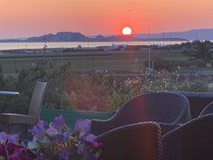 Couché de Sun en terrasse Couches, Tapas, Celestial, Sunset, Outdoor, Patio, Outdoors, Canapes, Couch