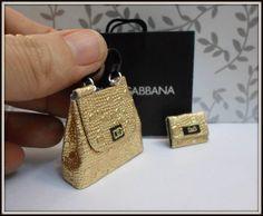 Cartera y accesorios para casa de muñecas escala 112 por DesignBA, $34.00