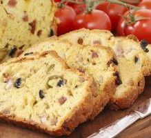 Recette - Cake aux deux olives et lardons - Notée 4.8/5 par les internautes