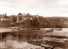 The Beach, Robin Hoods Bay Ref: Frank Meadow Sutcliffe Vintage Pictures, Old Pictures, Old Photos, Yorkshire England, North Yorkshire, Robin Hoods Bay, Bay Photo, Old Images, Stunning Photography