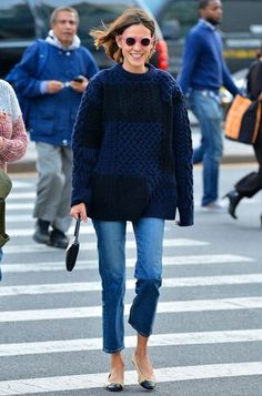 Oversized fisherman weater with ankle length jeans + ballet flats | Alexa Chung street style